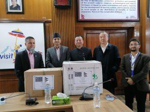 चीनको गान्सु प्रान्त सरकारद्धारा बागमति र प्रदेश–५ लाई स्वास्थ्य सामाग्री प्रदान
