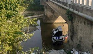 पुलबाट खस्याे सुत्केरी बोकेको एम्बुलेन्स
