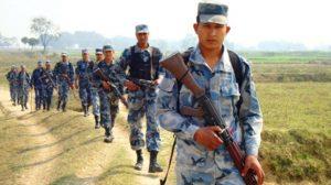 झापामा सयौं भारतीय नेपाल प्रवेश गर्न खोजेपछि सशस्त्र प्रहरीद्वारा हवाइ फायर