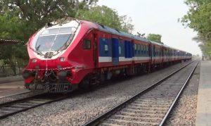 भारतमा कोरोना संक्रमितको संख्या बढ्दै, आजदेखि रेलसेवा शुरु